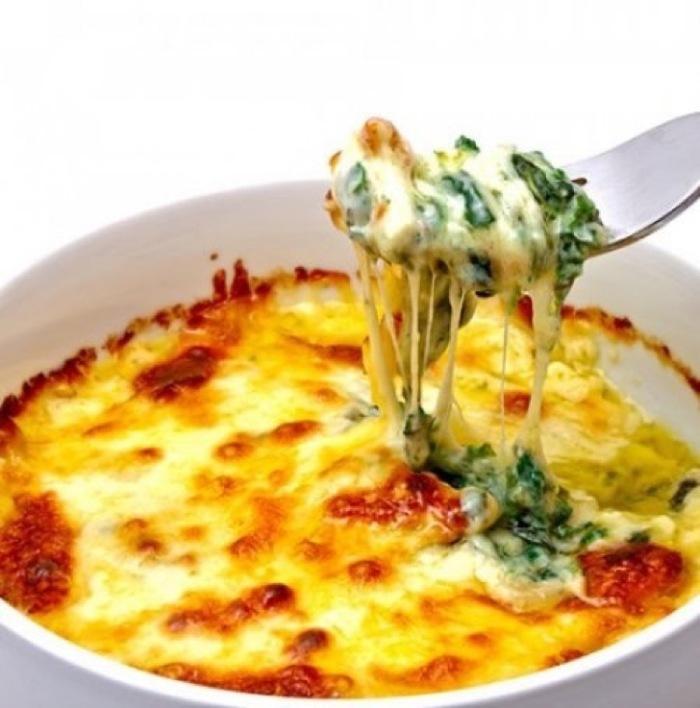 espinacas-gratinadas-con-queso-y-bechamel